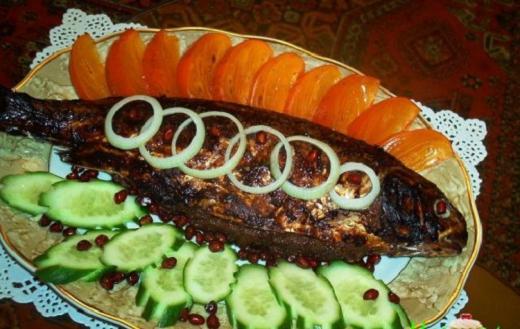 Прекрасное блюдо из рыбы. Кутум или сазан. В рецепте применяется лаванша.