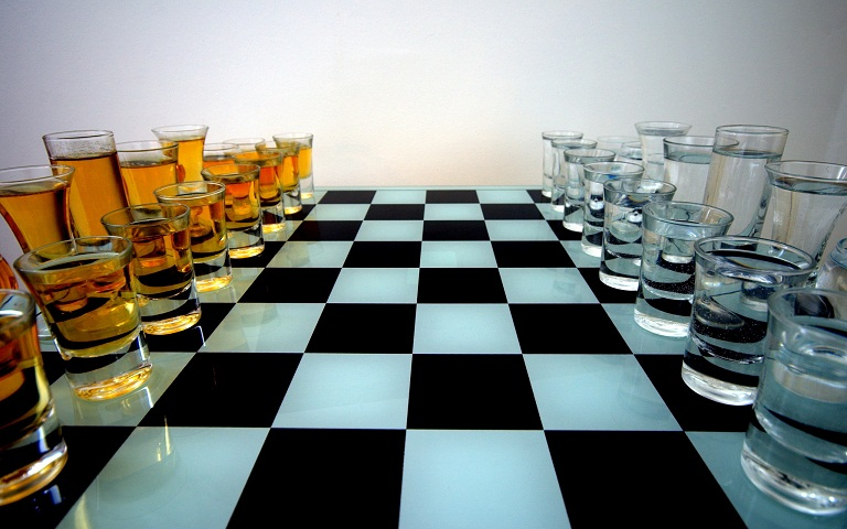 Алкогольные игры и эксперименты..